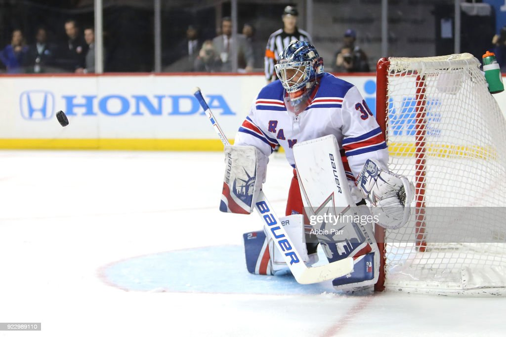 New York Rangers v New York Islanders : News Photo