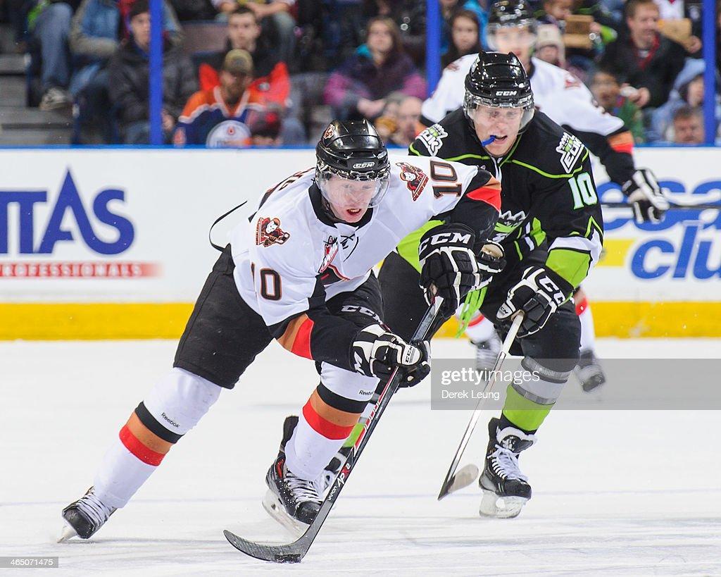 Calgary Hitmen vs Edmonton Oil Kings : News Photo