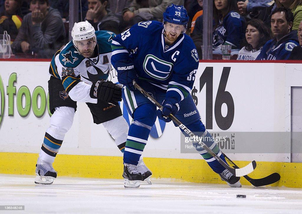 San Jose Sharks v Vancouver Canucks : News Photo