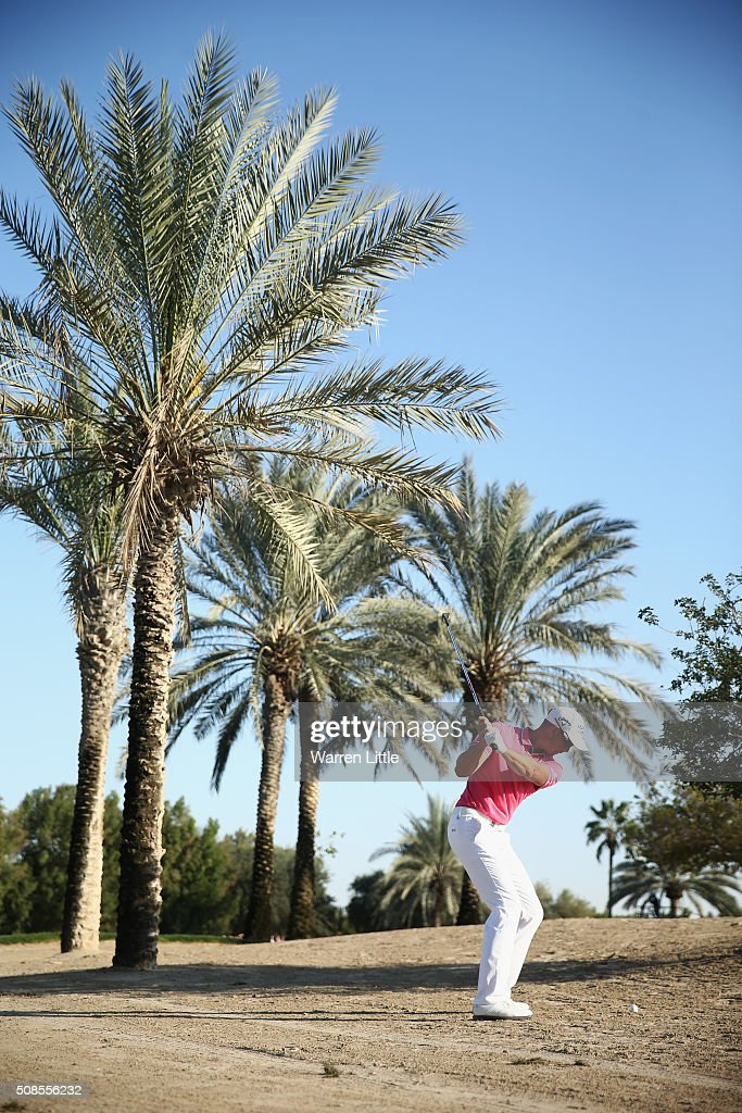 Henrik Stenson of Sweden plays his second shot on the 17th hole during the second round of the Omega Dubai Desert Classic at the Emirates Golf Club on February 5, 2016 in Dubai, United Arab Emirates.