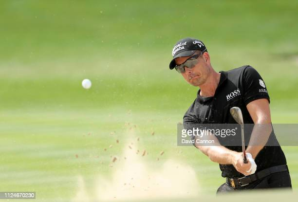 Henrik Stenson of Sweden plays his third shot on the par 4 first hole during the second round of the Omega Dubai Desert Classic on the Majlis Course...
