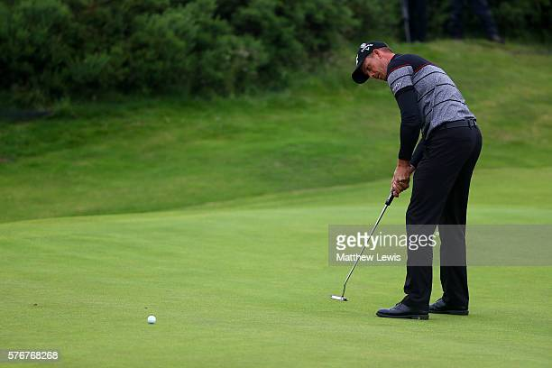 Henrik Stenson of Sweden putts on the 9th green during the final round on day four of the 145th Open Championship at Royal Troon on July 17 2016 in...