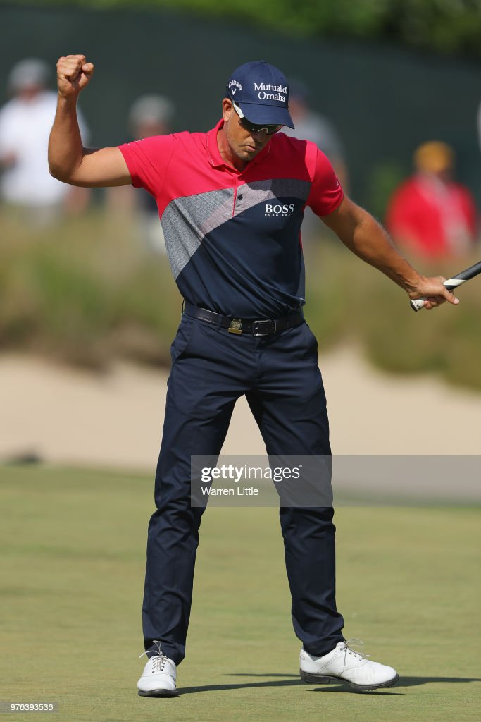 Henrik Stenson of Sweden reacts on on the sixth green during the third round of the 2018 U.S. Open at Shinnecock Hills Golf Club on June 16, 2018 in Southampton, New York.