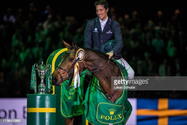 'SHERTOGENBOSCH NETHERLANDS MARCH 17 Henrik von Eckermann rides Toveks Mary Lou for the 1st place and celebrates during the The Dutch Masters Rolex...