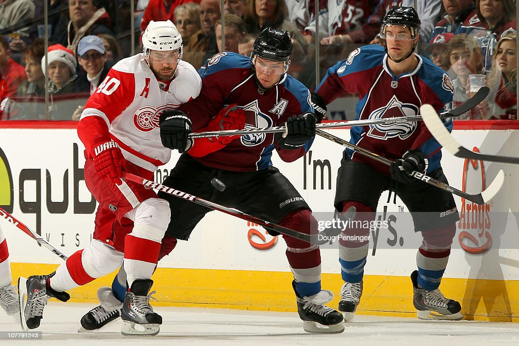 Detroit Red Wings v Colorado Avalanche : News Photo