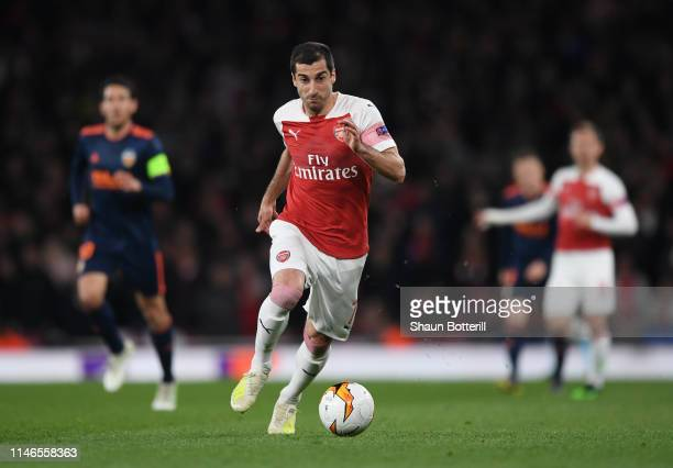 Henrikh Mkhitaryan of Arsenal breaks with the ball during the UEFA Europa League Semi Final First Leg match between Arsenal and Valencia at Emirates...