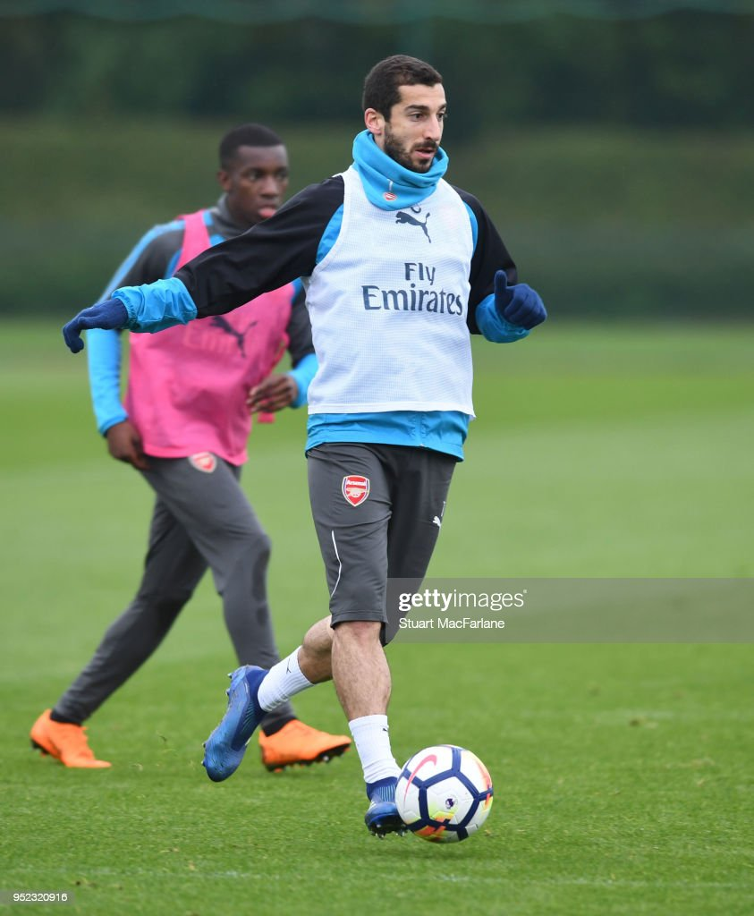 https://media.gettyimages.com/photos/henrikh-mkhitaryan-of-arsenal-during-a-training-session-at-london-on-picture-id952320916?k=6&m=952320916&s=612x612&w=0&h=0o3qhu7FhEFKbHrAgrblLLTqsflynwpTUU2pAoXYzpc=
