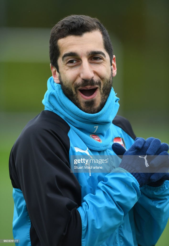 https://media.gettyimages.com/photos/henrikh-mkhitaryan-of-arsenal-during-a-training-session-at-london-on-picture-id952325172?k=6&m=952325172&s=612x612&w=0&h=d1Gx7XfU_p8EyWx7wrfbUxfO6FZzUrs3jx9nv79ZF7E=