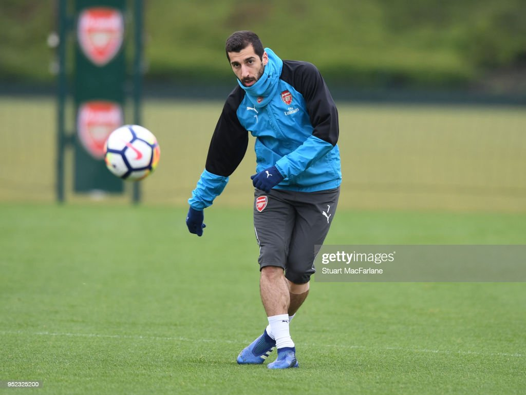 https://media.gettyimages.com/photos/henrikh-mkhitaryan-of-arsenal-during-a-training-session-at-london-on-picture-id952325200?k=6&m=952325200&s=612x612&w=0&h=nl6JwWGGKXj_PJIFwnF_RDF0AWY2sCa2Yp0Z62SxjqQ=