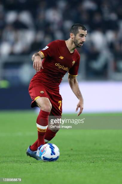 Henrikh Mkhitaryan of AS Roma controls the ball during the Serie A match between Juventus and AS Roma at Juventus Stadium on October 17, 2021 in...