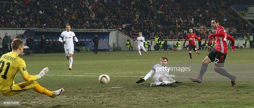 FC Zorya Luhansk v Manchester United FC - UEFA Europa League : News Photo