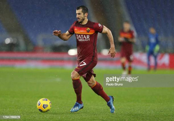 Henrikh Mkhitaryan of Roma runs with the ball during the Serie A match between AS Roma and UC Sampdoria at Stadio Olimpico on January 03, 2021 in...