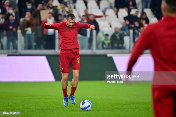 Henrikh Mkhitaryan warm-up prior the Serie A match between Juventus and AS Roma at on October 17, 2021 in Turin, Italy.