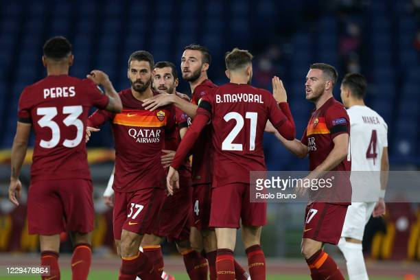 Henrikh Mkhitaryan with his teammates of AS Roma celebrates after scoring the opening goal during the UEFA Europa League Group A stage match between...