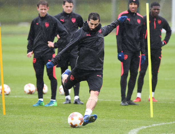 https://media.gettyimages.com/photos/henrikh-mkhitaryanof-arsenal-during-a-training-session-at-london-on-picture-id953735666?k=6&m=953735666&s=612x612&w=0&h=Ji5LK5C_9QHR_S_zg4FnlVY5xA6lmyZwYE6hfSE8XmY=
