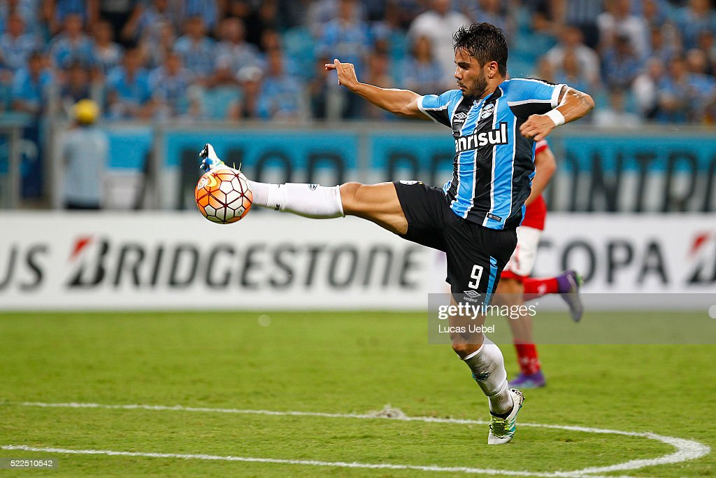 Gremio v Toluca - Copa Bridgestone Libertadores 2016