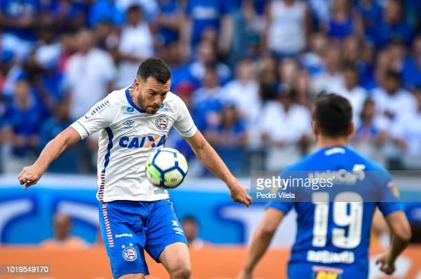 Henrique of Cruzeiro and Elber of Bahia battle for the ball during a match between Cruzeiro and Bahia as part of Brasileirao Series A 2018 at...
