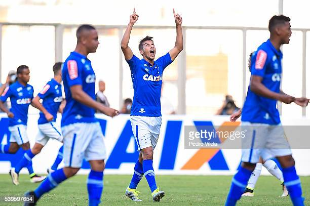 Henrique of Cruzeiro celebrates a scored goal against Atletico MG during a match between Atletico MG and Cruzeiro as part of Brasileirao Series A...