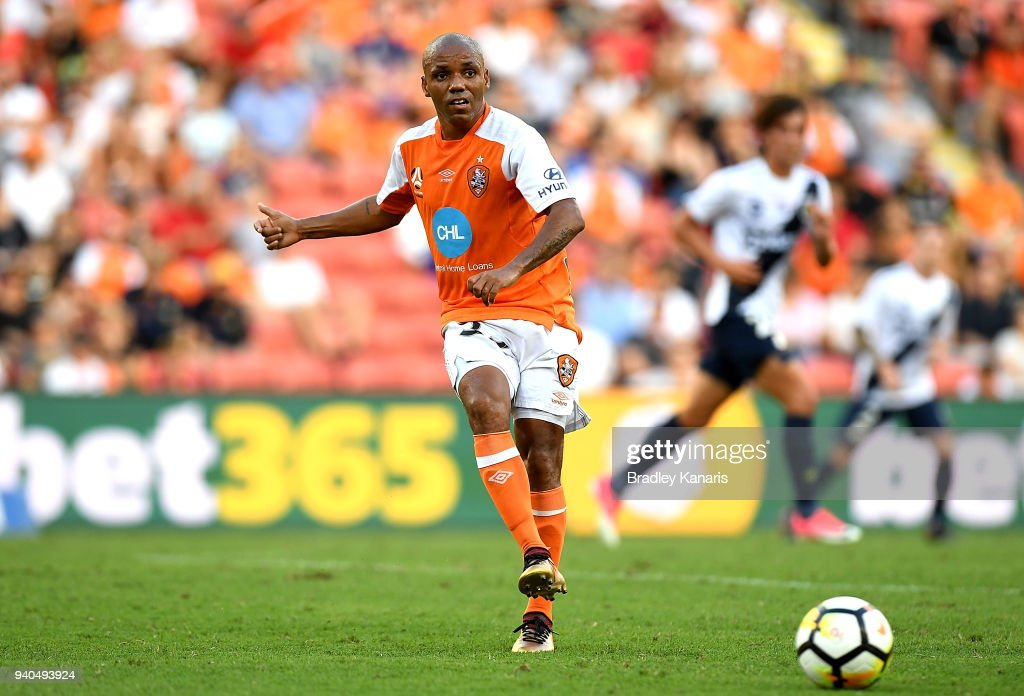 Henrique of the Roar passes the ball during the round 25 A-League match between the Brisbane Roar and the Central Coast Mariners at Suncorp Stadium on March 31, 2018 in Brisbane, Australia.