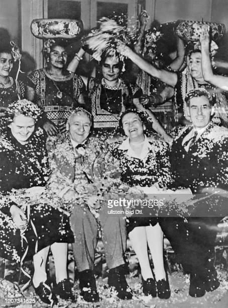 Henry Agard Wallace *07101888 USamerican politician as vicepresident with wife Ilo Browne Wallace on a state visit to Mexico Vintage property of...