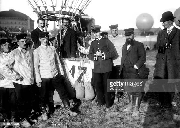 Henry Arnold and Frank Purdy Lahm in the car of the St Louis hot air balloon at the Third Gordon Bennet Balloon race in Berlin