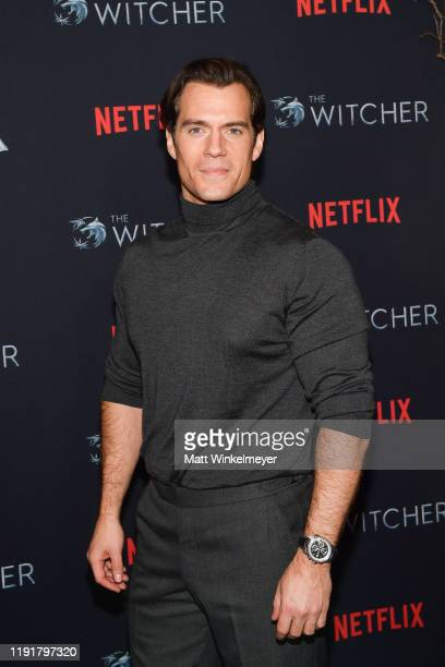 "Henry Cavill attends the photocall for Netflix's ""The Witcher"" season 1 at the Egyptian Theatre on December 03, 2019 in Hollywood, California."