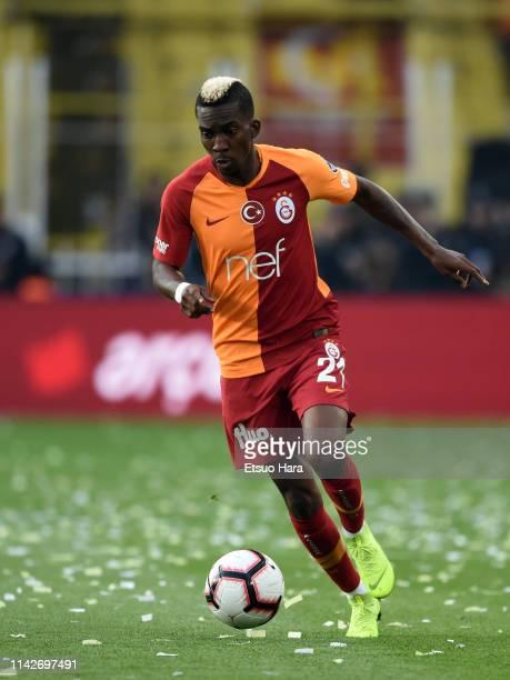 Henry Chukwuemeka Onyekuru of Galatasaray in action during the Turkish Super Lig match between Fenerbahce and Galatasaray at Şukru Saracoglu Stadium...