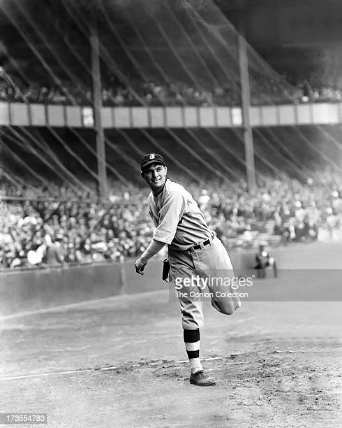 Henry E Manush of the Detroit Tigers throwing a ball in 1923