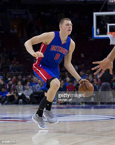 Henry Ellenson of the Detroit Pistons dribbles the ball against the Philadelphia 76ers at Wells Fargo Center on October 15 2016 in Philadelphia...