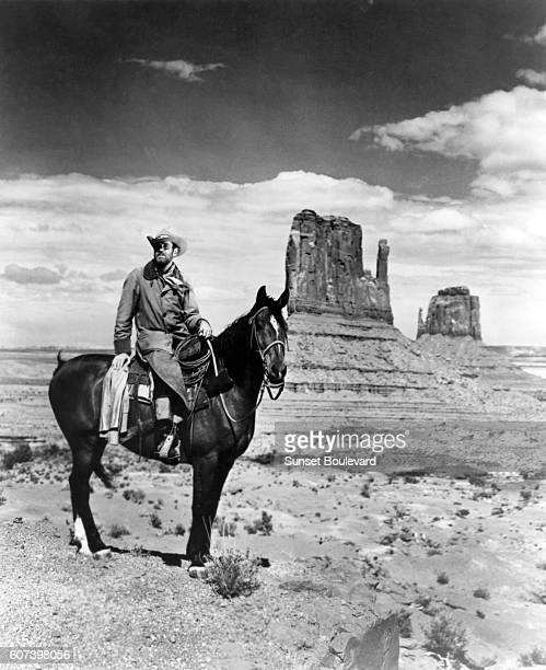 Henry Fonda on the set of My Darling Clementine directed by John Ford