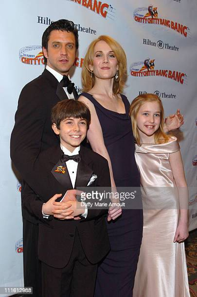 Henry Hodges Raul Esparza Erin Dilly and Ellen Marlow