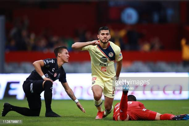 Henry Martin of America celebrates after scoring the first goal of his team during a first round match between America and Necaxa as part of Torneo...