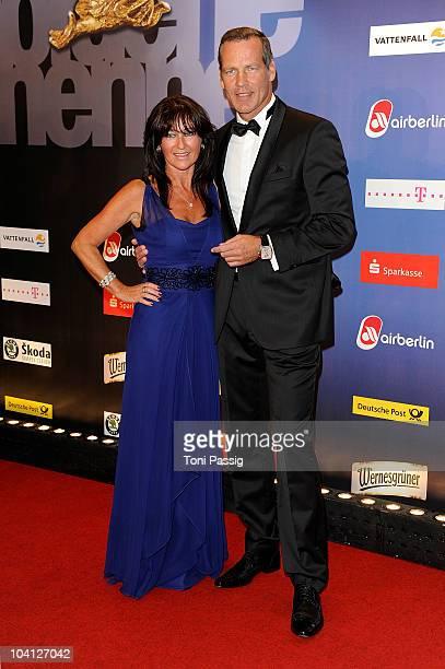 Henry Maske and his wife Manuela attend the 'Goldene Henne Award 2010' at Friedrichstadtpalast on September 15 2010 in Berlin Germany