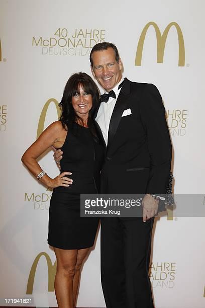 Henry Maske Und Ehefrau Manuela Bei Der 40. Jahre Mcdonald'S Geburtstags Gala In Berlin