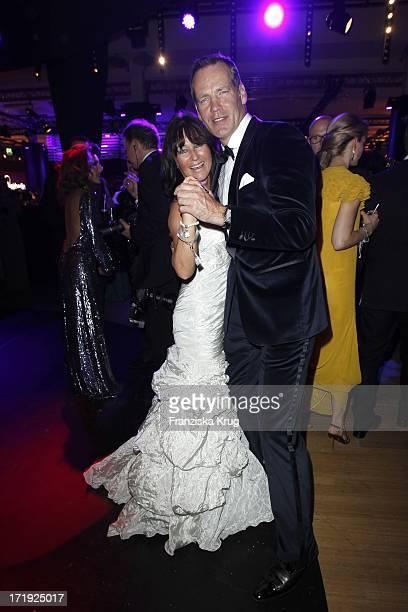 Henry Maske Und Ehefrau Manuela Bei Der Bambi Verleihung 2011 In Den Rhein Main Hallen In Wiesbaden