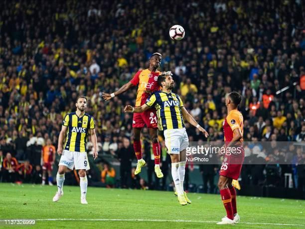 Henry Onyekuru of Galatasaray and Alper Potuk of Fenerbache during the Turkish Super Lig match between Fenerbache and Galatasaray at the ükrü...