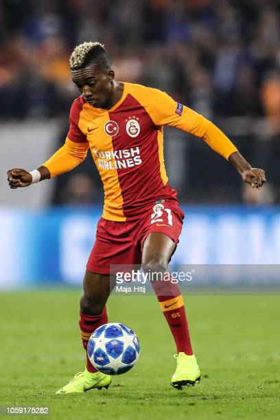 Henry Onyekuru of Galatasaray controls the ball during the Group D match of the UEFA Champions League between FC Schalke 04 and Galatasaray at...