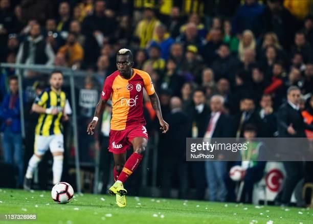 Henry Onyekuru of Galatasaray during the Turkish Super Lig match between Fenerbache and Galatasaray at the ükrü Saracolu Stadium in Istanbul Turkey...