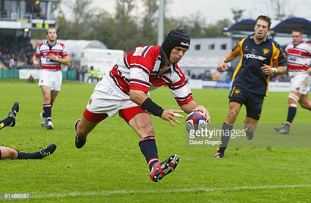 Henry Paul the Gloucester centre races through to score the first try during the Zurich Premiership match between Worcester and Gloucester at Sixways...