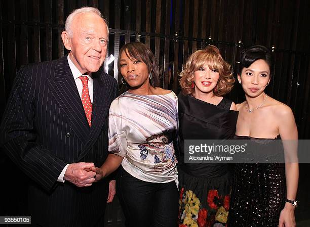 Henry Segerstrom Angela Bassett Elizabeth Segerstrom and Elizabeth An at The Grand Opening of AnQi where The An family of Crustacean teams up with...