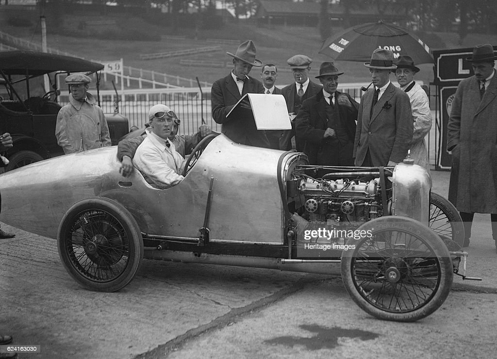 Henry Segrave in his Talbot-Darracq at the JCC 200 Mile Race, Brooklands, Surrey, 1921 : Nachrichtenfoto