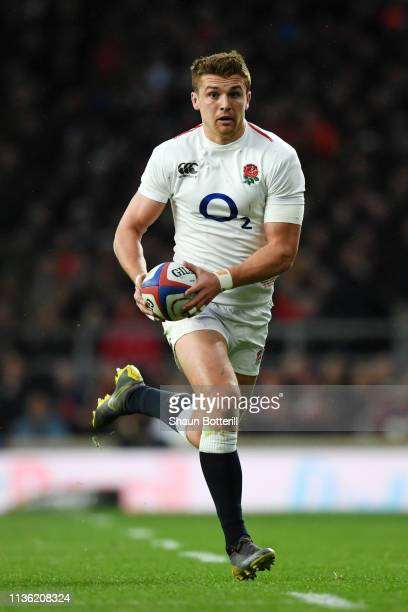 Henry Slade of England runs with the ball during the Guinness Six Nations match between England and Scotland at Twickenham Stadium on March 16 2019...