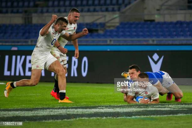 Henry Slade of England scores a try during the 2020 Guinness Six Nations match between Italy and England at Olimpico Stadium on October 31, 2020 in...