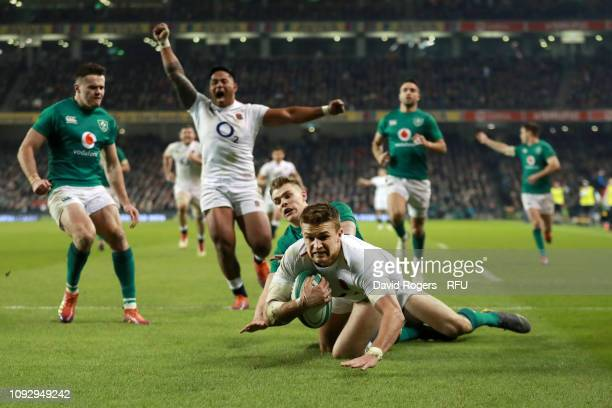 Henry Slade of England scores his side's third try during the Guinness Six Nations between Ireland and England at Aviva Stadium on February 2 2019 in...