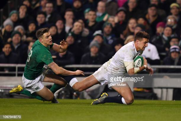Henry Slade of England scores his team's third try during the Guinness Six Nations between Ireland and England at Aviva Stadium on February 2 2019 in...