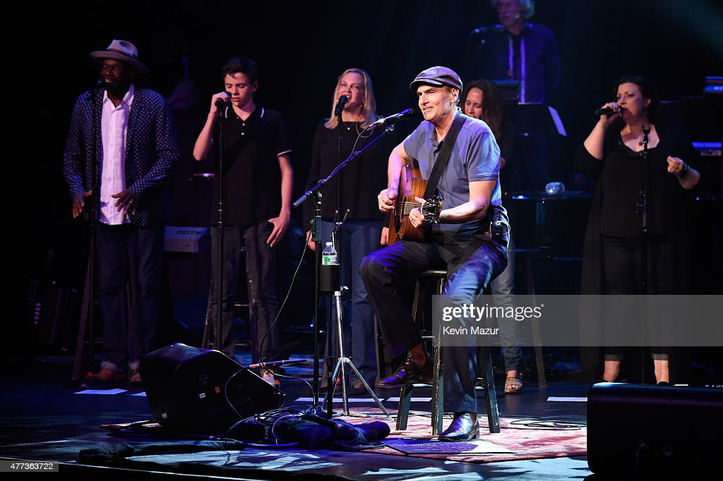 Henry Taylor, Kim Taylor and James Taylor perform onstage during SiriusXM Presents James Taylor Live at The Apollo Theater on June 16, 2015 in New York City.