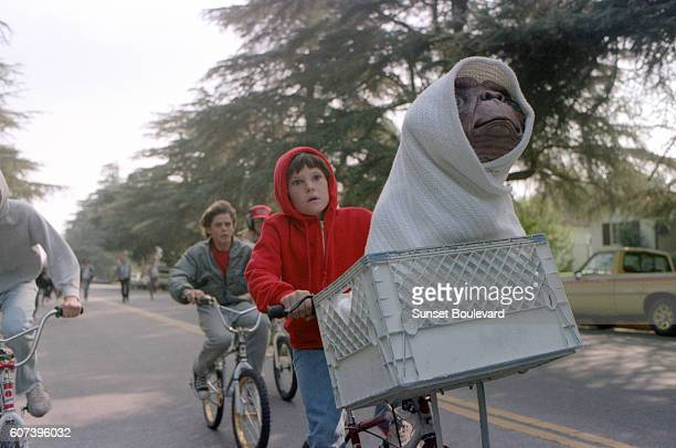 Henry Thomas on the set of ET