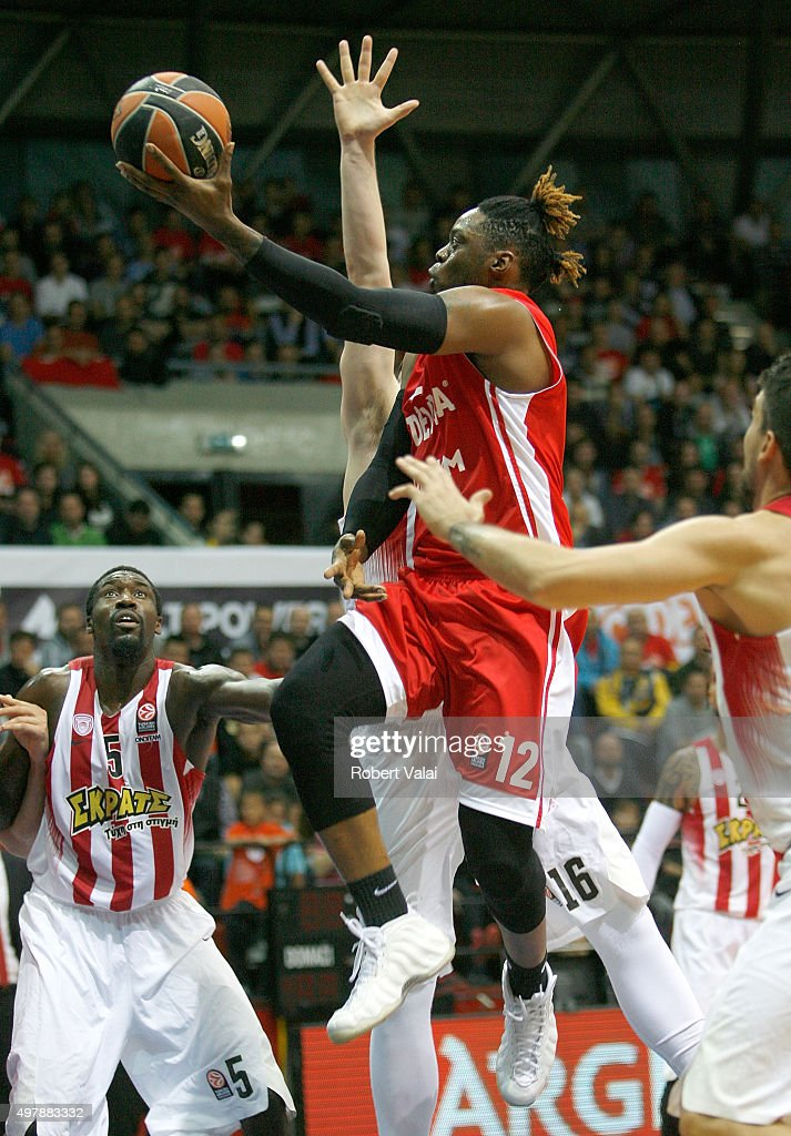 Henry Walker, #12of Cedevita Zagreb competes with Othello Hunter, #5 of Olympiacos Piraeus during the Turkish Airlines Euroleague Regular Season Round 6 game between Cedevita Zagreb v Olympiacos Piraeus at Drazen Petrovic Zagreb on November 19, 2015 in Zagreb, Croatia.