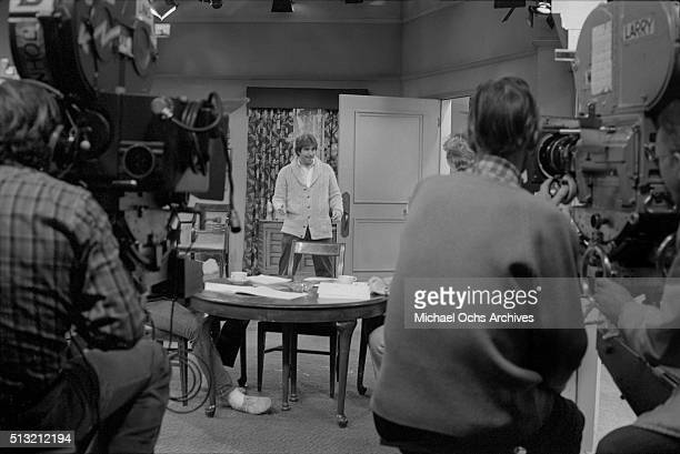 Henry Winkler rehearses on the set of 'Happy Days' at Paramount Studios on March 5 1981 in Los Angeles California