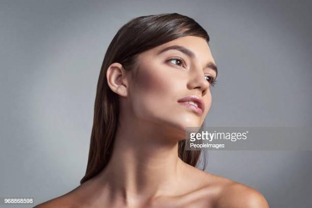 su belleza es incomparable - perfección fotografías e imágenes de stock